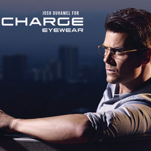 A5 horizontal eyeglasses copia.jpg