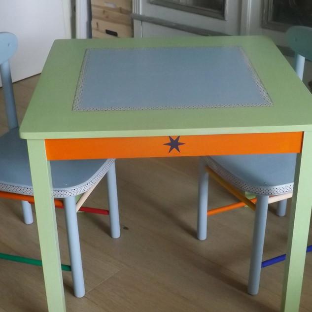 Kindertisch_Set_DSCF5283.JPG
