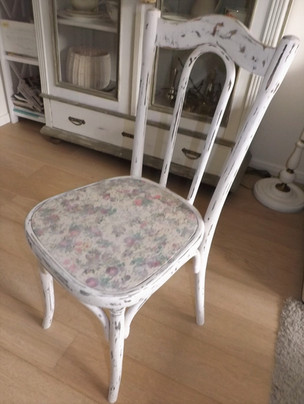 Antiker Stuhl LISA