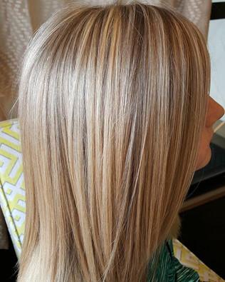 #balayage #highlights #blonde #bumbleand