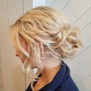 #prom2017 #updo #blondehair #curls #bumb