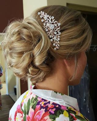#bumbleandbumble #bridalhair #updo #hair