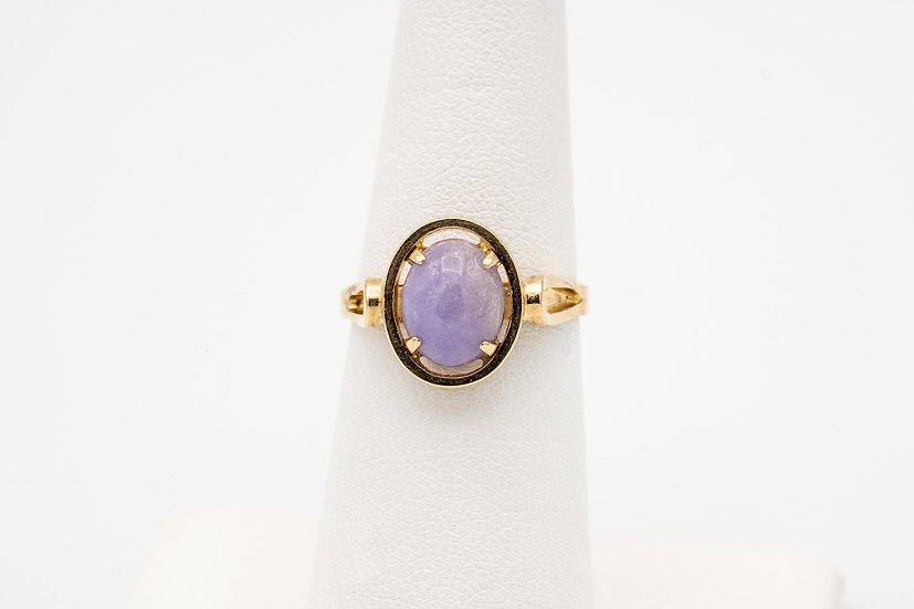 14k Yellow Gold Lavender Jade Lady's Cocktail Ring