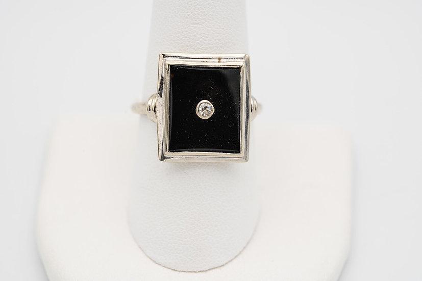 14k White Gold Onyx Ring