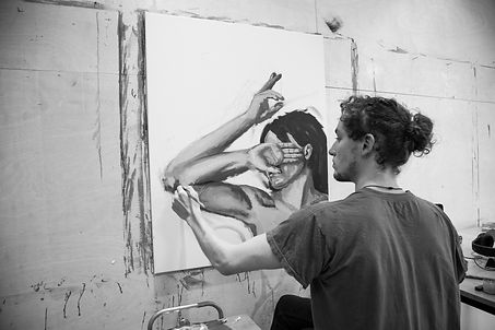 Photo of London Artist Sam King painting