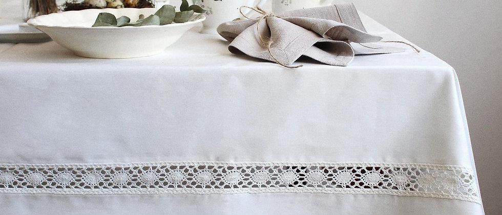 Faţă de masă ivoire cu dantelă