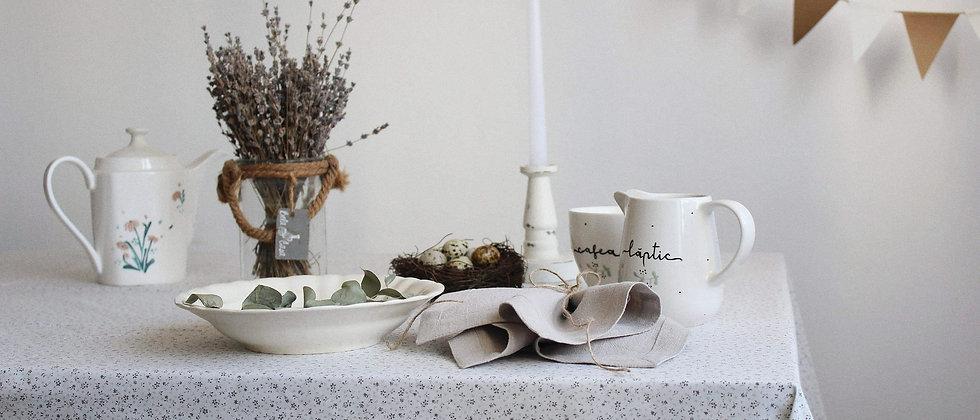 Faţă de masă cu imprimeu floral