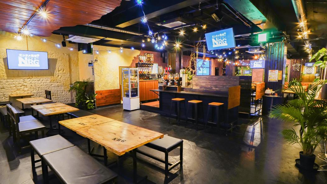 沖縄のコワーキングスペースと居酒屋【エンタメ酒場NRG(エナジー)】