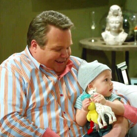 modernfamily3.png
