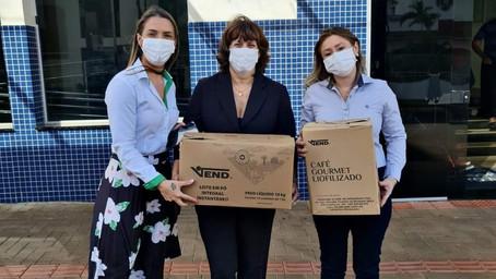 Sicredi União da avenida Getúlio Vargas doa alimentos não-perecíveis ao HSA
