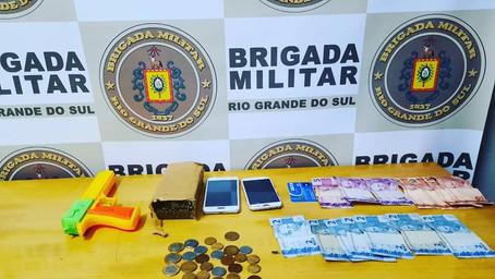 Barreira de trânsito resulta em prisão por tráfico de drogas em Guarani das Missões