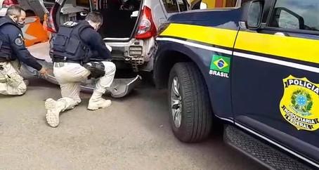 PRF apreende mais de 20 quilos de pasta base de cocaína e prende traficante em Osório