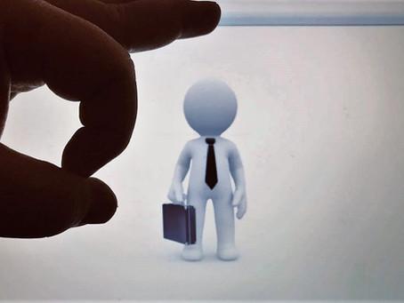 Kein Wiedereinstellungsanspruch im Kleinbetrieb bei zwischenzeitlichen Wegfall des Kündigungsgrundes