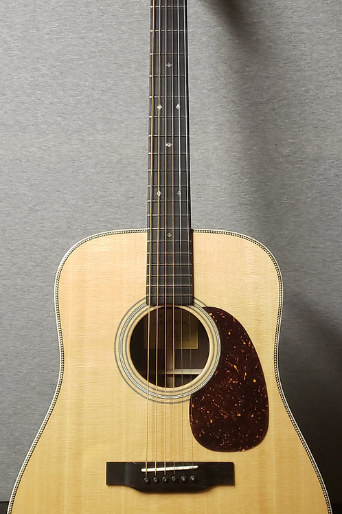 Eastman E8D with Hard Shell Case