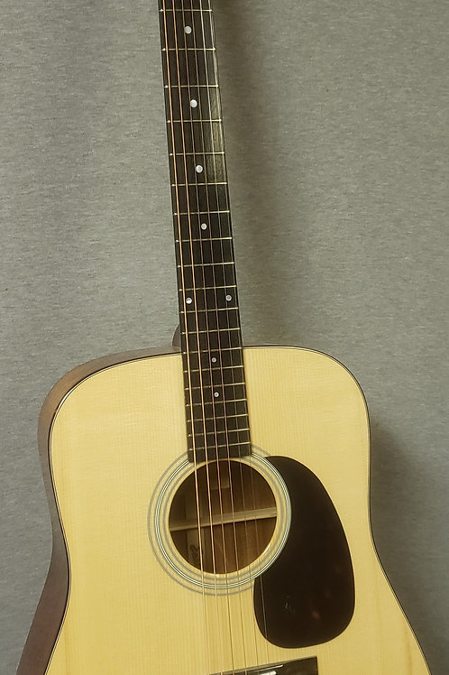 Eastman E10D Dreadnought Acoustic Guitar With Hardshell Case
