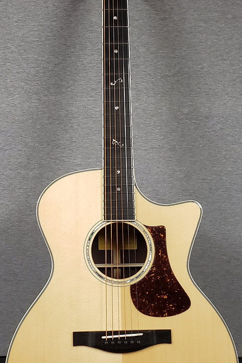 Eastman AC422CE with Hard Shell Case