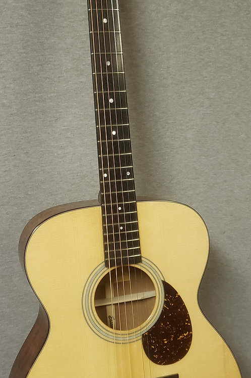 Eastman E6OM-TC Thermo-Cured Top with Hard Shell Case