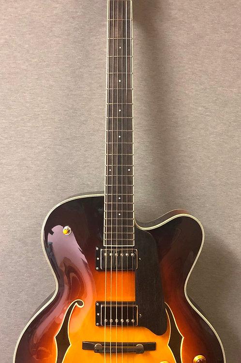 Eastman AR403CED-SB Hollow Body Guitar Sunburst with Hard Shell Case