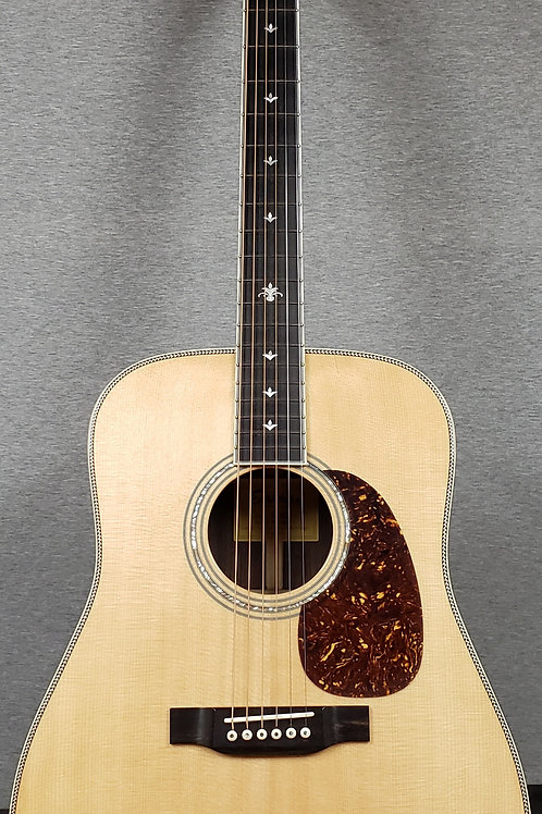Eastman DT30D with Hard Shell Case