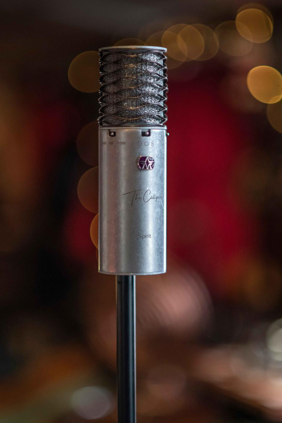 The Caligaris Signature mic - Aston Spirit