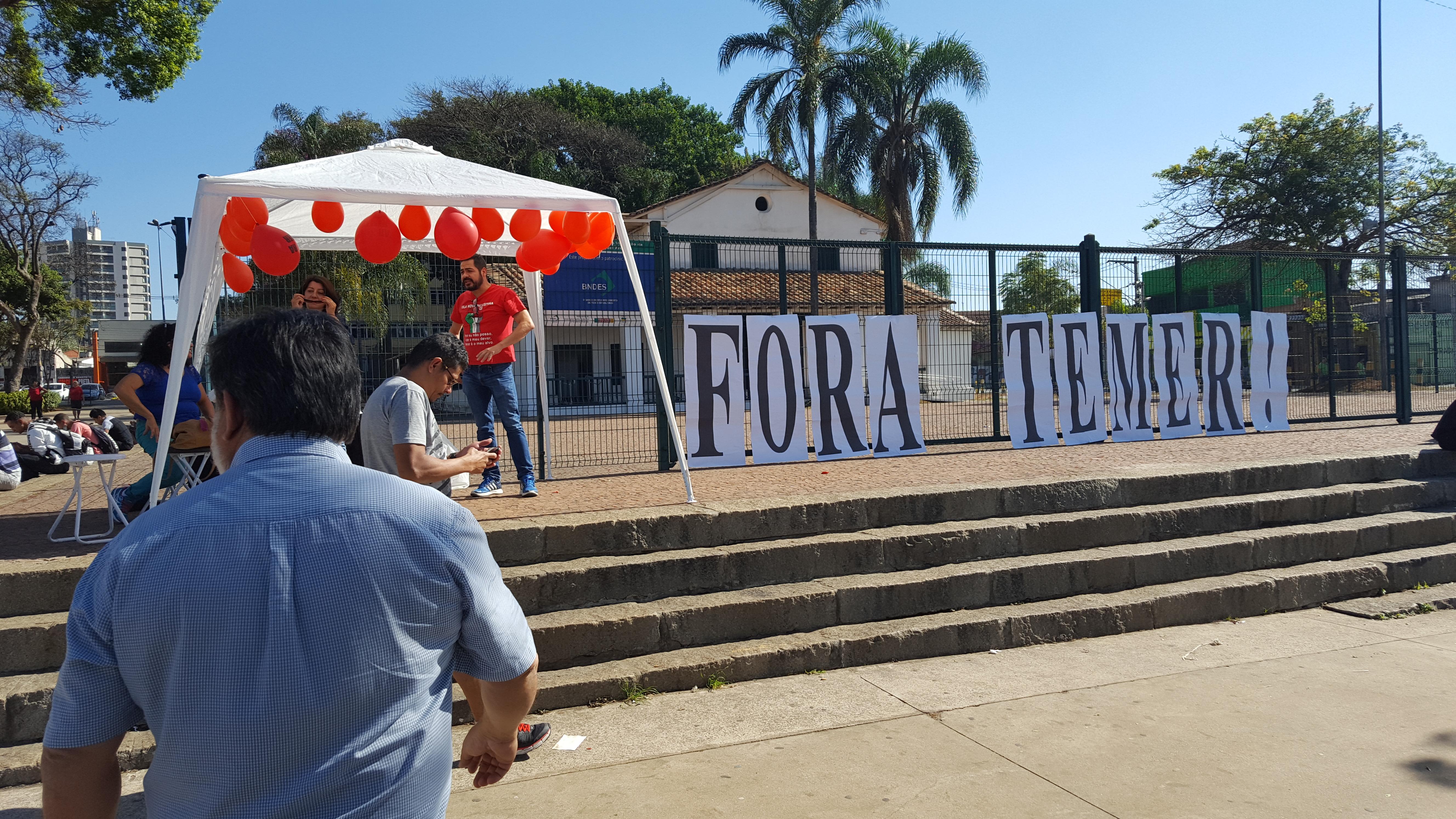 marcio_fora_temer_pça_forró