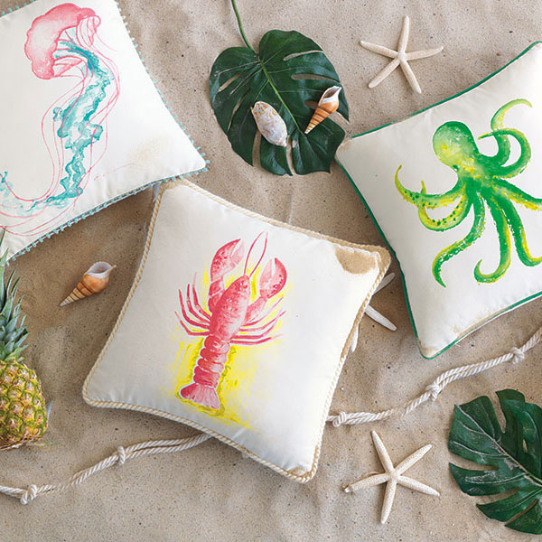 Take a dreamy dip among the vibrant sealife of the Great Barrier Reef with this collection of outdoor-suitable decorative pillows. Each of these skilfully hand-painted pillows adds a touch of under-the-sea wonder to your garden, balcony, or patio.