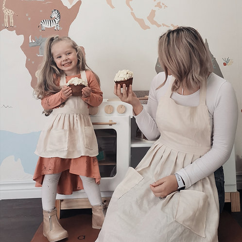 Mommy and Me Linen Aprons
