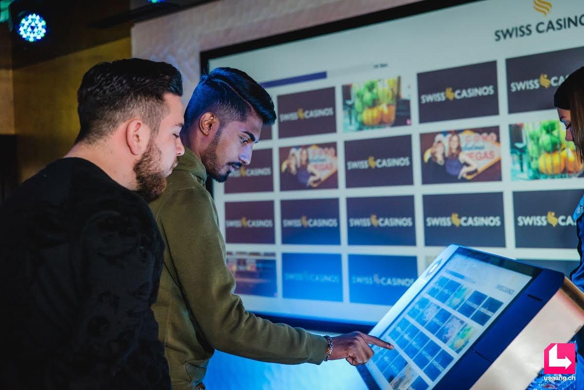 """Touchscreen 32"""" Messespiel Messegame"""