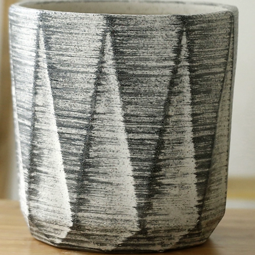 Minimalist White Black Pot