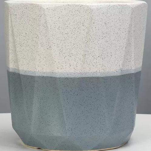 Minimalist White/Grey Pot