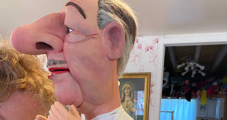 Dressing the Puppet