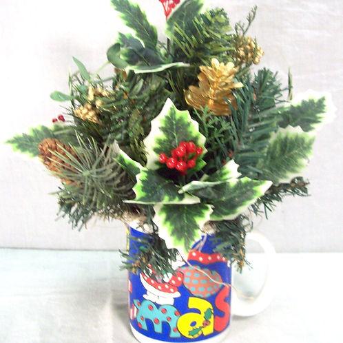 Christmas Cup Arrangement
