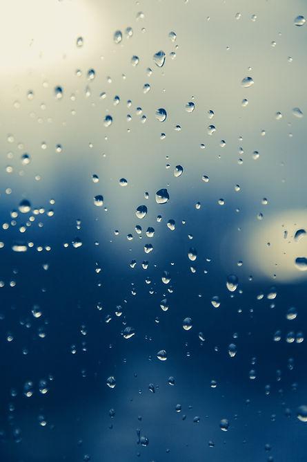 raindrop-1445835_1920.jpg