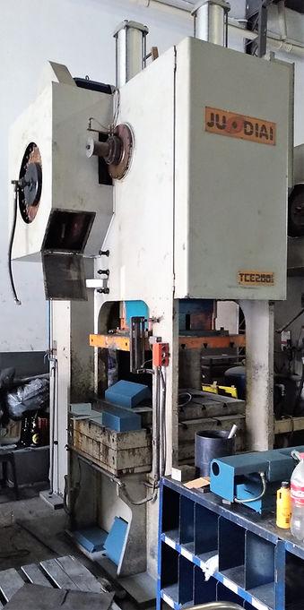 prensa excentrica Jundiai 200 ton.jpg