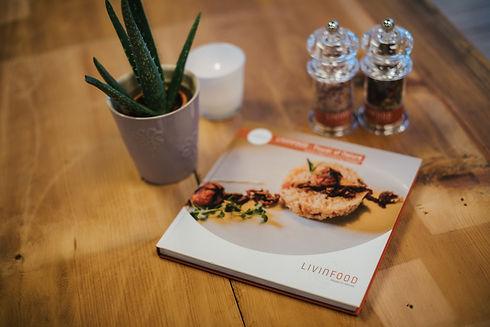 LIVINFOOD Kochbuch.jpg