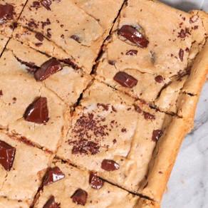 Flourless Dark Chocolate Chunk Tahini Blondies (vegan, gluten-free, grain-free)
