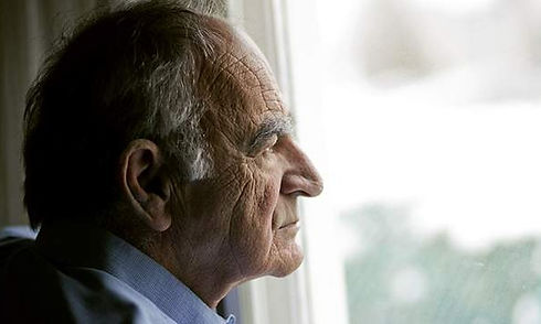 lonely-elderly-man-600x360.jpg
