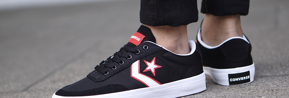 "Converse Courtland ""Black Red"""