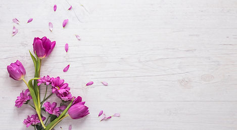 purple-flowers-with-petals-table_23-2148