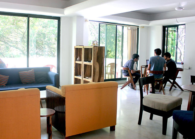 Spacious lounge, terraces and working areas to promote collaboration and free thought