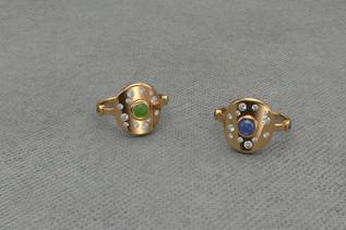 Bague-or-diamants-cabochon-saphir
