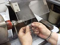 Polissage bijoux or finition