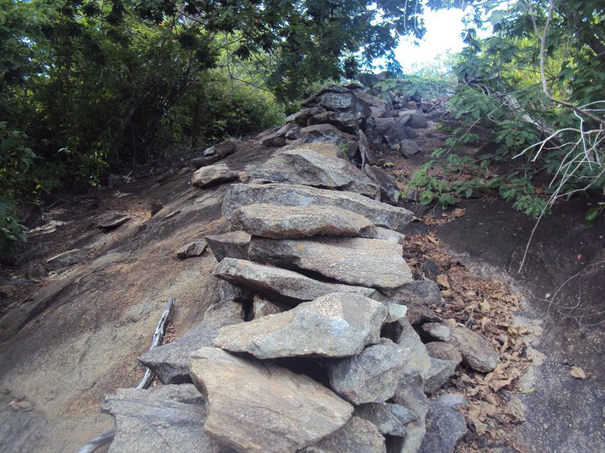 Patrimônio histórico edificado do sudoeste baiano: muros de pedra em Caetité e Pindaí