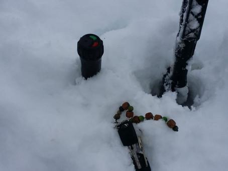 Die Schlüsselsuche im Tiefschnee – der Winter ist noch lange nicht vorbei