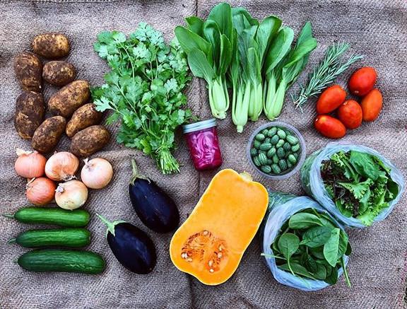 Veggies 💚 potatoes (or rhubarb and pars