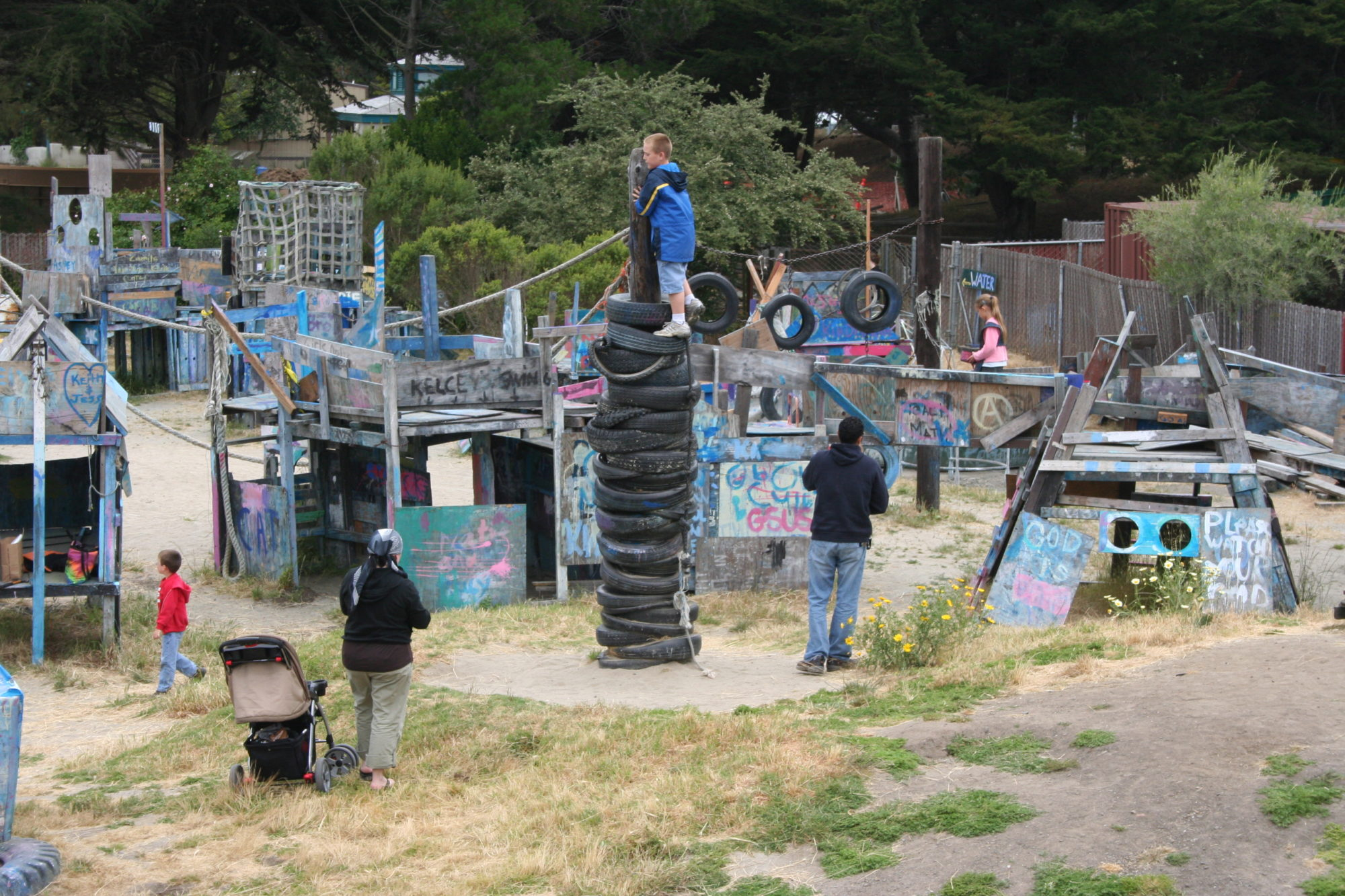 Adventure-Playground-Berkeley-CA-Courtesy-of-Adventure-Playground-e1466111622702