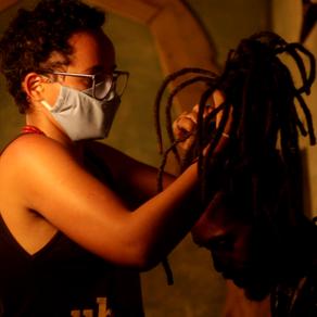 """""""Ser mulher e estar nessa função é um tanto desafiador"""", diz a cineasta Elizângela DaSilva"""