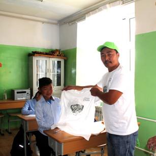 Present Steppe Wildlife T-shirt to school children