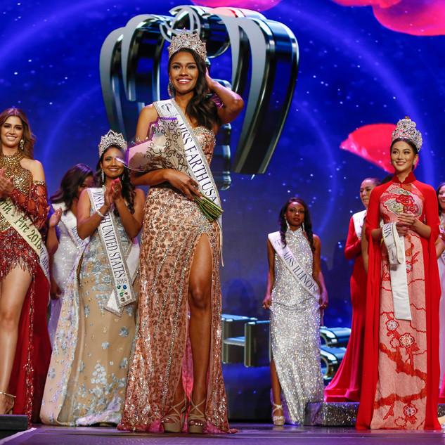 Miss Earth USA Emanii Davis Crowning.jpg