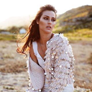 Lindsey Coffey model outdoors.jpg